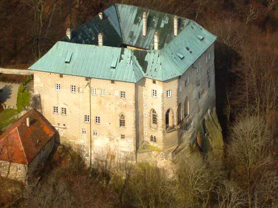 "Part 1: The ""Hellish"" Houska Castle"