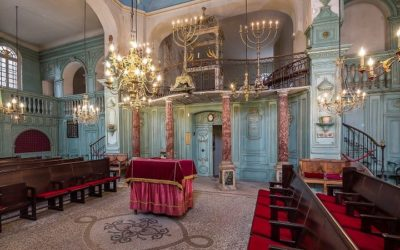 Discovering Carpentras and the Holy Communities: A Journey to the Past