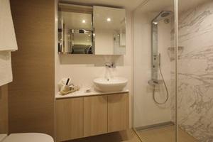 sc-suite-juniorSuite-bathroom1