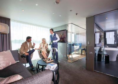 sc-suite-royal-OwnersSuite13