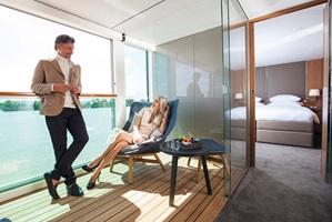 sc-suite-royal-OwnersSuite16