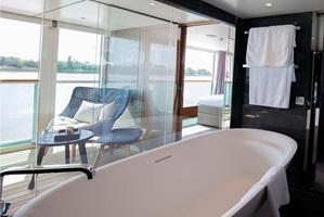 sc-suite-royal-OwnersSuite17
