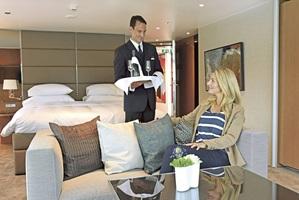 sc-suite-royalPanoramaSuite-butler1